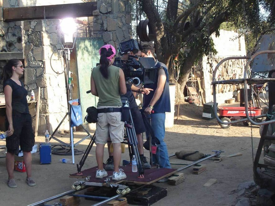 setting camera on dolly on set