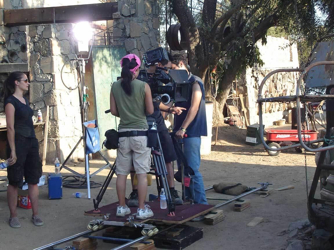 setting camera on dolly on set